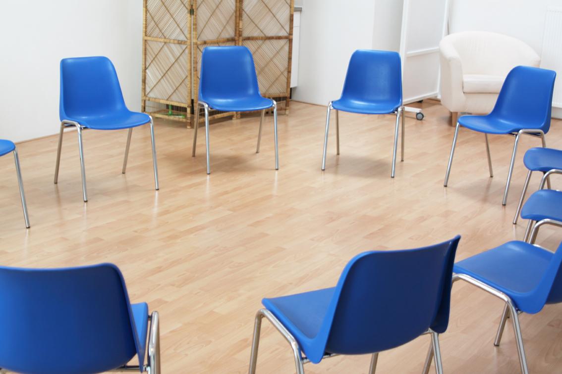kringgesprek-groepsgesprek-goedkoop-ruimte-huren-yoga-cursus-workshop-therapieruimte-haarlem-centrum-aan-het-spaarne-online